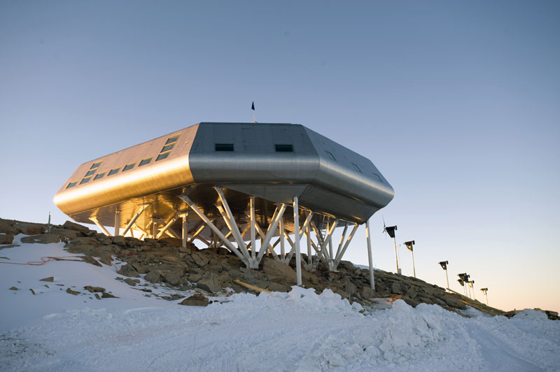 Belgian Princess Elisabeth Station Antarctica OR4TN